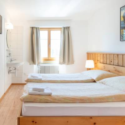 camere doppie ostello by Randolins St. Moritzerberge st. moritz